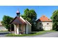Zvonička a barokní sýpka